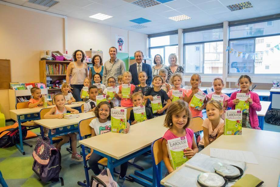 La classe de CP de Fanny Gorgol a reçu la visite du maire, Patrick Césari.