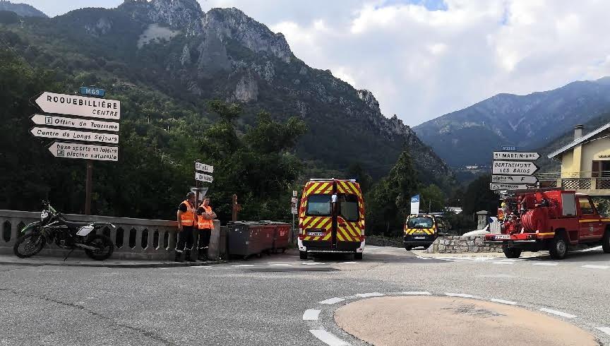 La victime, âgée de 18 ans, a perdu le contrôle de son engin à la hauteur du pont de Roquebillière-vieux, vers 16h15.