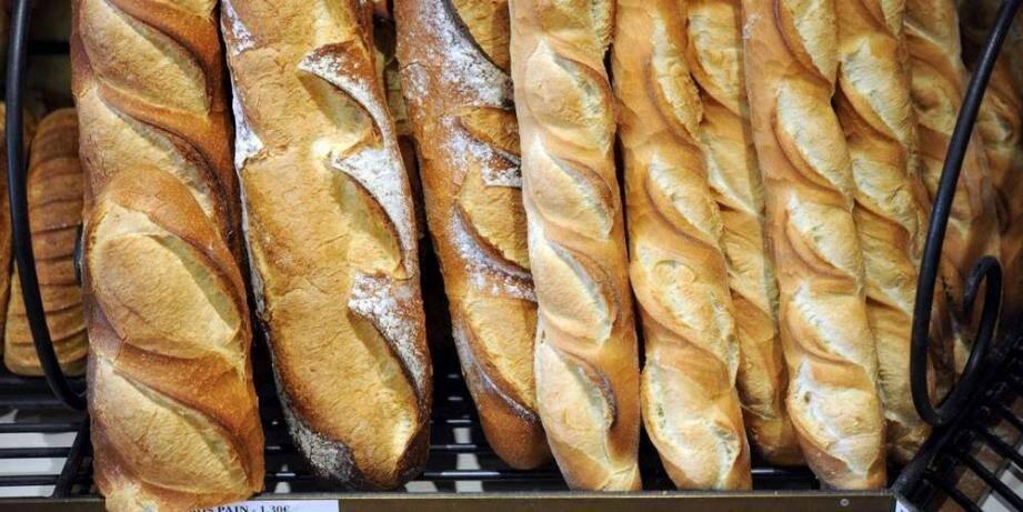Un sondage réalisé par l'Observatoire BVA montre que le boulanger reste le commerce où les Français se rendent le plus fréquemment, en particulier pour y acheter la classique baguette.