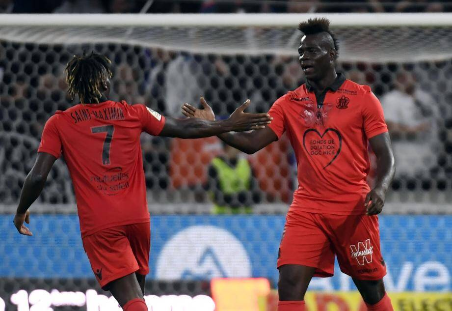 Mario Balotelli et Allan Saint-Maximim face à Lyon.