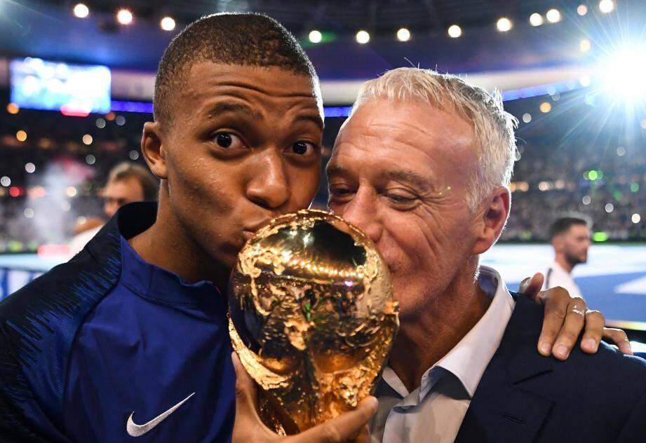 Kylian Mbappe et Didier Deschamps dimanche 9 septembre au Stade de France