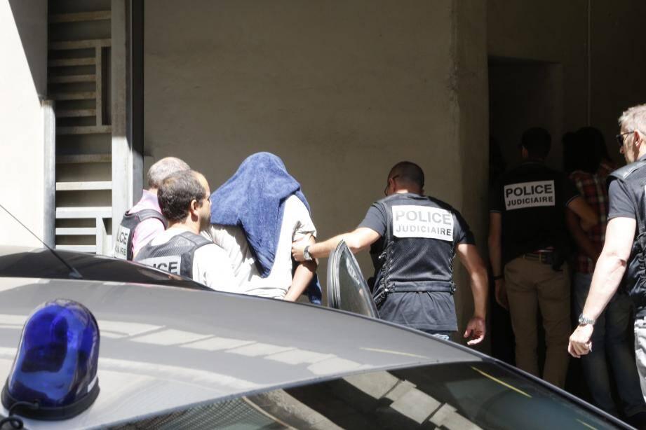 Huit semaines après les crimes, l'enquête de la  police judiciaire de Nice aboutissait à une vingtaine d'interpellations.