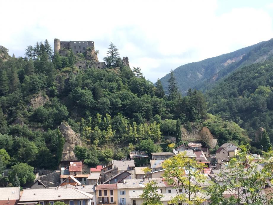 Guillaumes et son château.