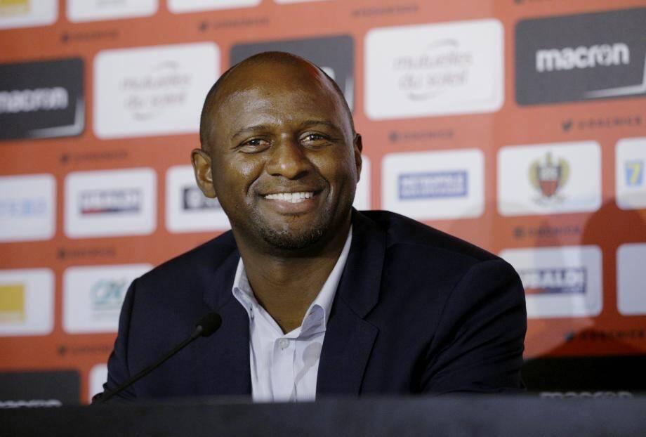 Patrick Vieira débute en Ligue 1 sur le banc du Gym tandis que Deschamps avait débuté à l'AS Monaco.