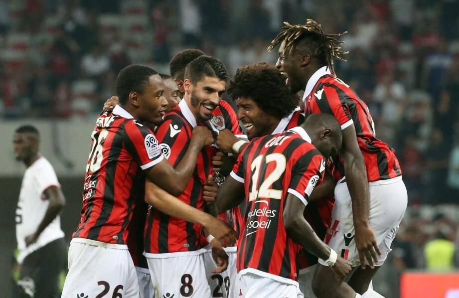 Les joueurs de l'OGC Nice lors de leur rencontre face au Stade Rennais, vendredi 14 septembre à l'Allianz Riviera.