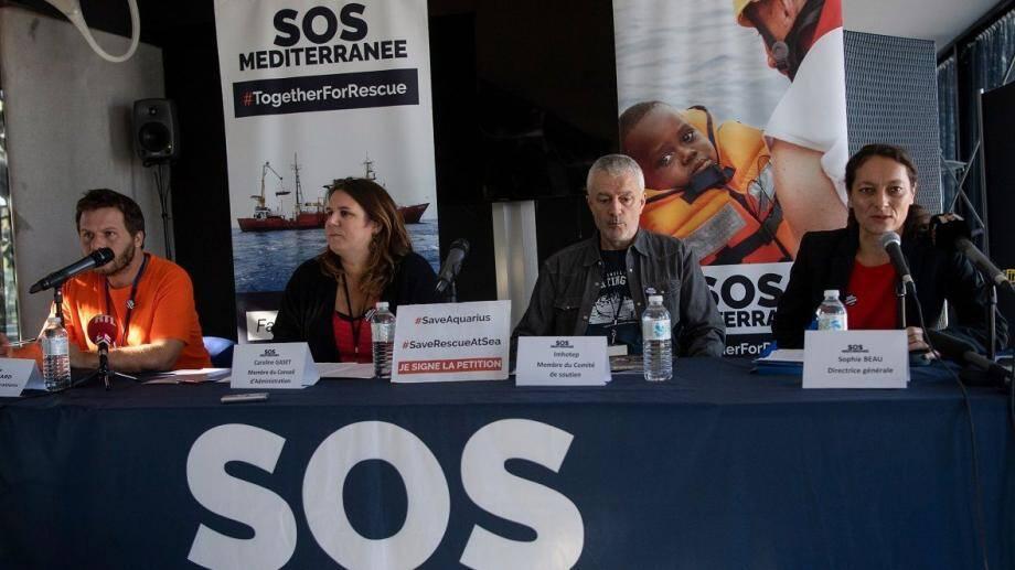 Des membres de l'association en conférence de presse le 3 octobre dernier.