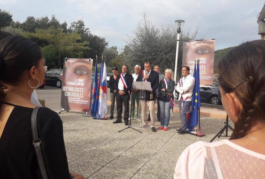 """""""Nous, au Tignet, nous avons voulu accompagner cet élan citoyen pour que ces femmes ne meurent plus dans l'indifférence"""", affirme François Balazun, maire du Tignet."""