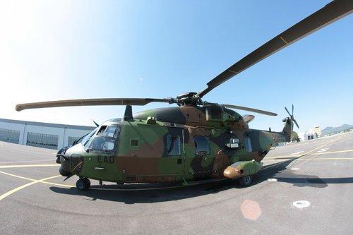 C'est pour une raison encore inconnue qu'unCaïman de l'Aviation Légère de l'Armée de Terre (ALAT) s'est abîmé sur le pont d'envol du BPC au moment de son décollage.