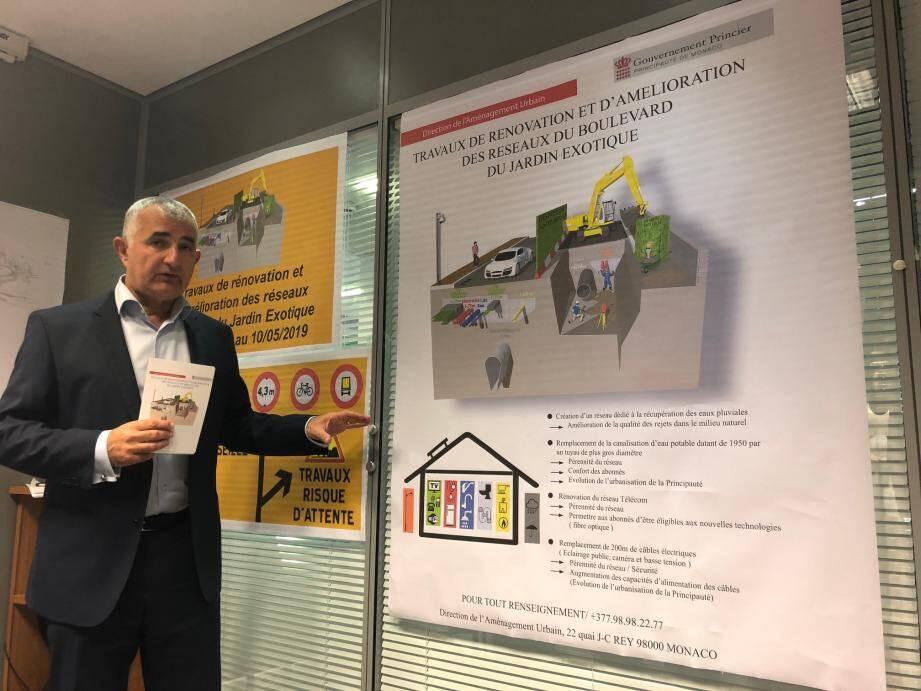 Jean-Luc Puyo, à la tête de la Direction de l'Aménagement Urbain, présentait hier le premier chantier public « antibruit » de Monaco.