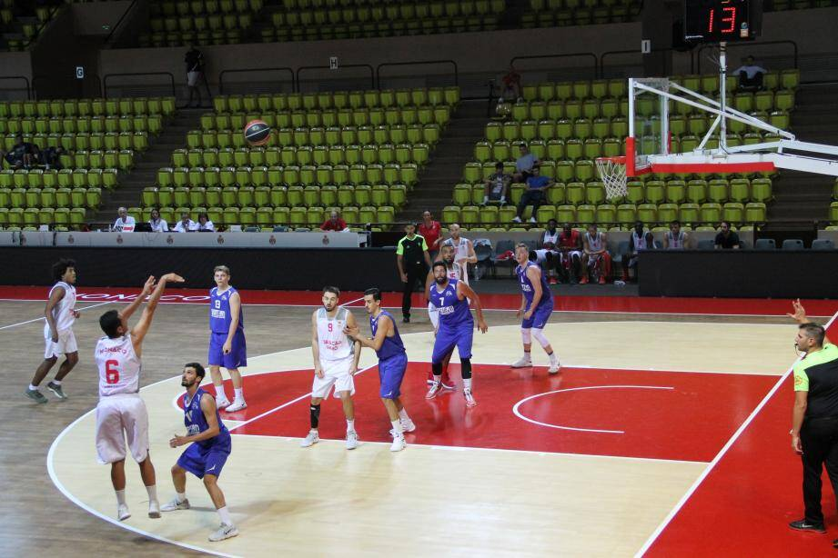Opposés au Stade Laurentin, les joueurs de Johann Boscher ont encaissé leur troisième défaite d'affilée, samedi soir sur leur parquet (65-79).
