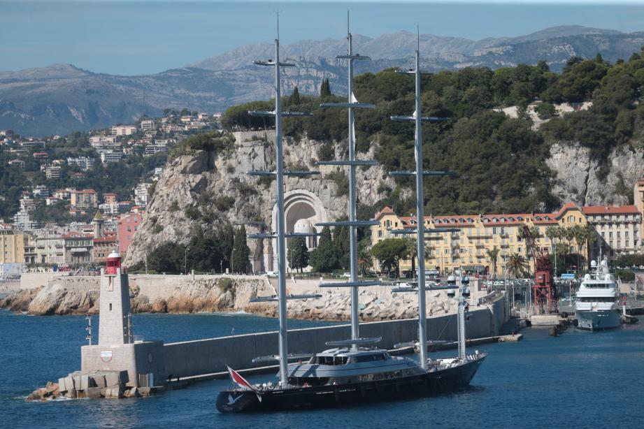 Le Maltese falcon est arrivé hier midi pour une escale de vingt-quatre heures.