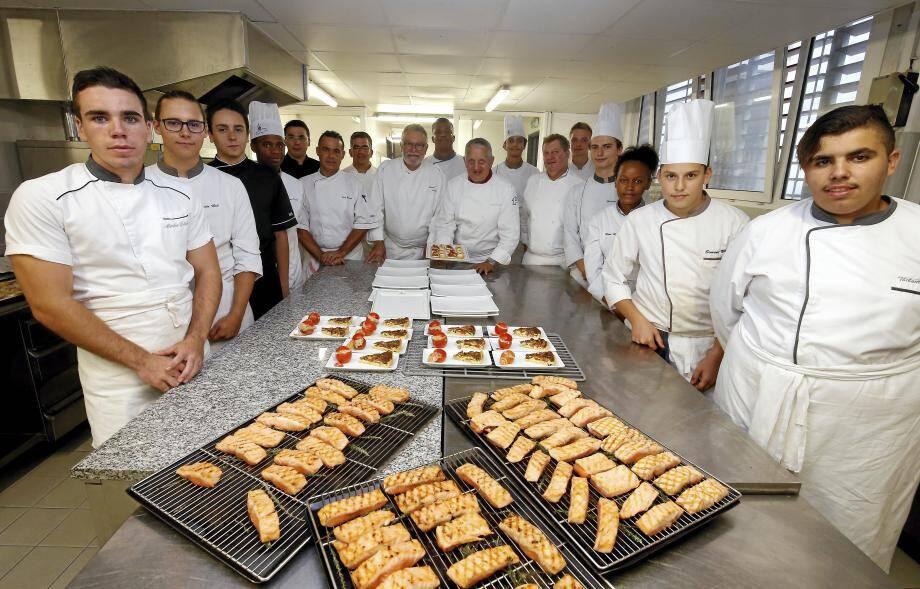 En cuisine comme en salle, les élèves du lycée hôtelier ont donné le meilleur d'eux-mêmes pour ne pas décevoir les attentes de leurs professeurs et des grands noms de la cuisine venus les épauler.