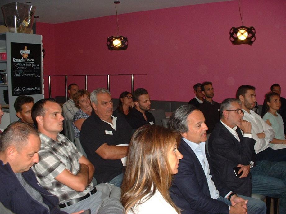 L'auditoire s'est montré très intéressé par les différents exposés