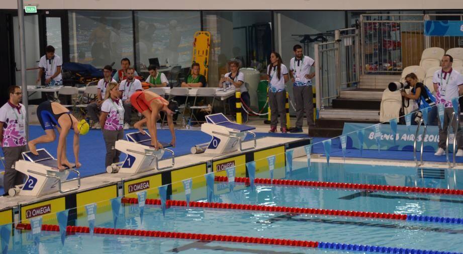 Claudia Verdino (plot n°1), au départ du 200 m 4 nages, ne fera pas mieux qu'une 31e place au classement général. Emilien Puyo, lui, a signé un super chrono au 100 m dos.