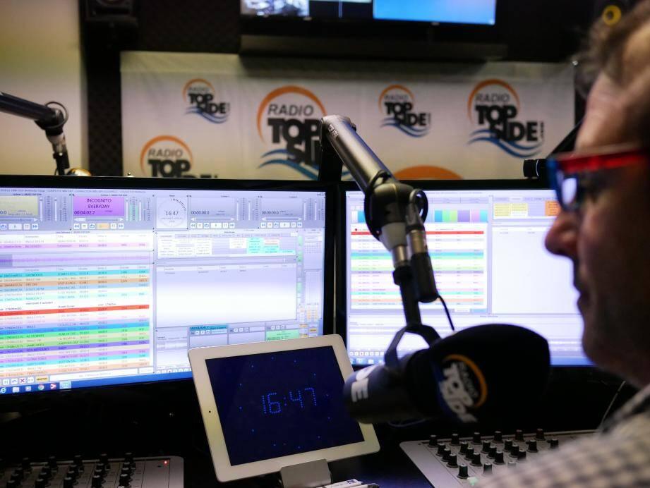 Radio Top Side est « en cours de validation » pour être diffusée sur les plateformes Deezer et Spotify.
