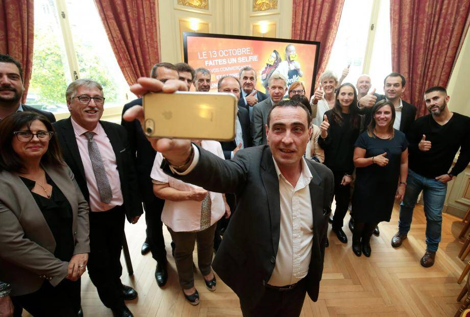 En postant votre photo sur les réseaux sociaux, vous pouvez remporter une croisière, pour deux, en Méditerranée.