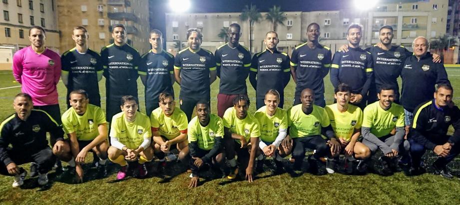 Depuis le début de saison, l'US Cap-d'Ail et Carvalho (photo de droite) volent au-dessus de leurs adversaires. Pernes fera-t-il redescendre l'équipe de son nuage demain en Coupe de France ?