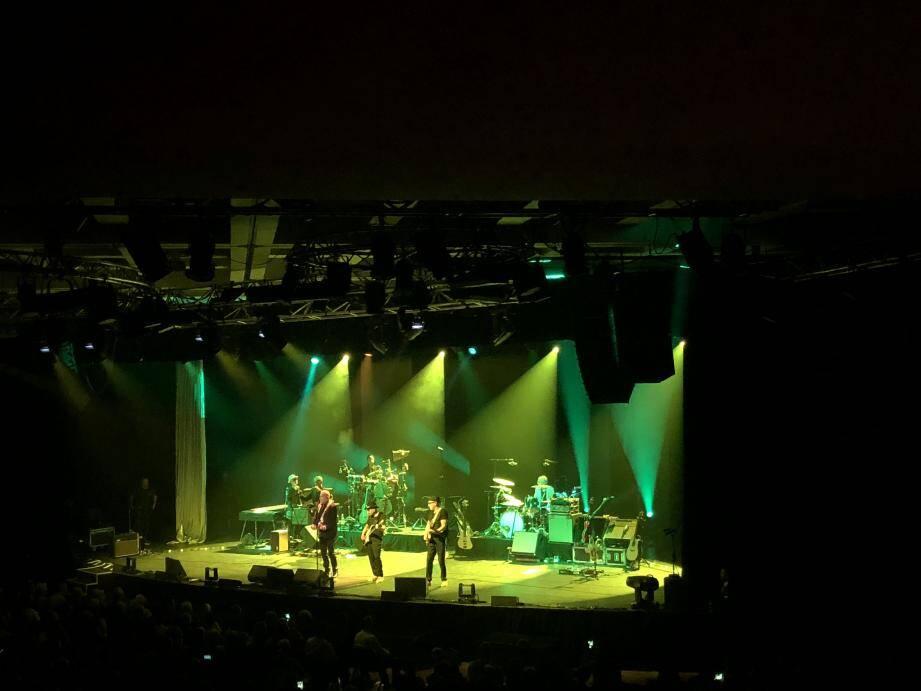 Bernard Lavilliers et ses musiciens se sont produits jeudi soir devant quelque 900 spectateurs à l'Espace Léo-Ferré.