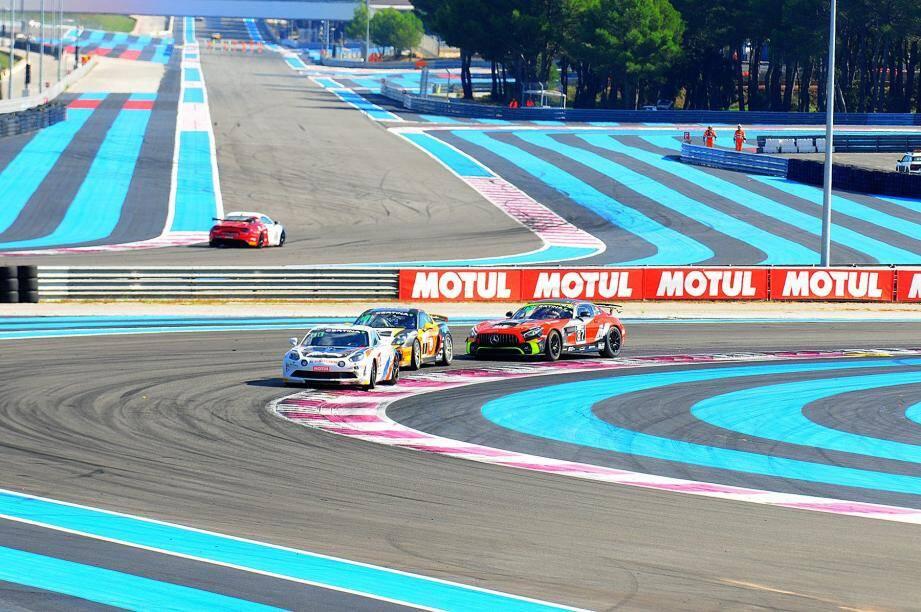 La Mercedes AMG GT4 du tandem Pla-Beaubelique (à droite), 6e hier, a glané des points précieux. Suite et fin du suspense tout à l'heure !