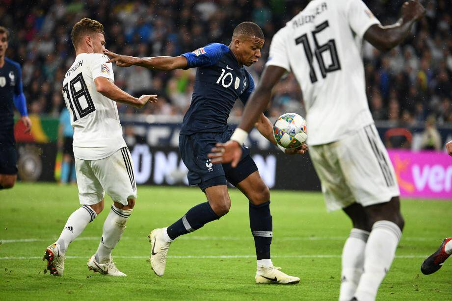 Remplaçant et décisif contre l'Islande, Kylian Mbappé va retrouver une place dans le onze, ce soir contre l'Allemagne. Un match important dans la course au Final Four de la Ligue des nations.