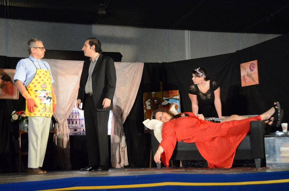 Les 4 comédiens de la cie Ségurane ont réjoui les Turbiasques, avec leur interprétation jouissive des personnages et répliques signés Isabelle Mergault.