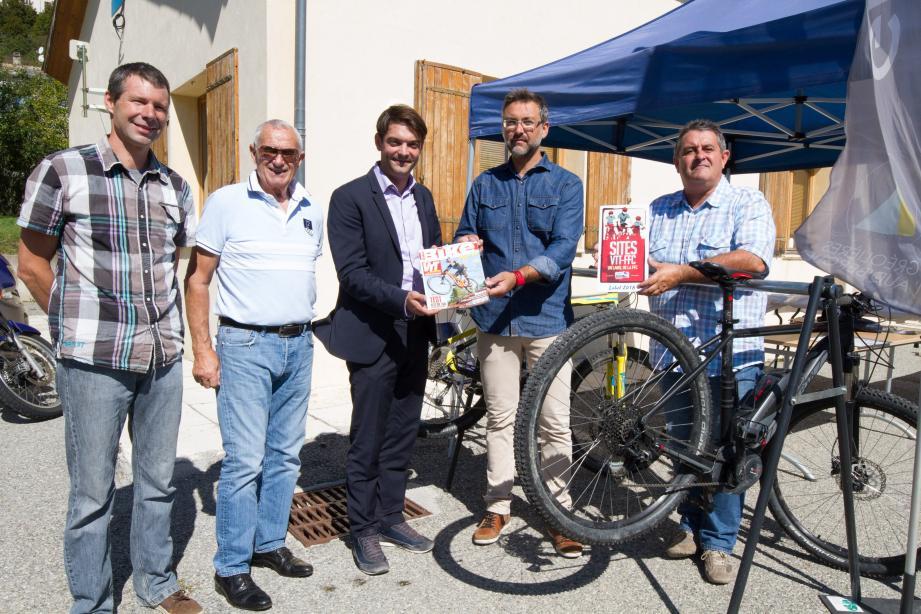 Les acteurs du projet VTT sur le territoire des Monts d'Azur et des stations de la SMGA.