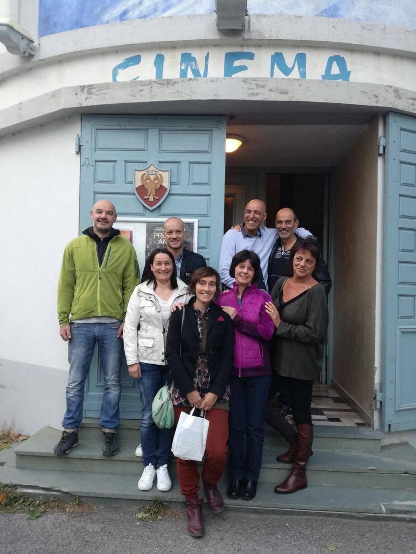 Aux côtés des aidants, Annie, Emilie et Sonia peuvent également compter sur Joseph Cocco et Mostafa Zoubir (à droite). A gauche, les adjoints au maire. (DR)