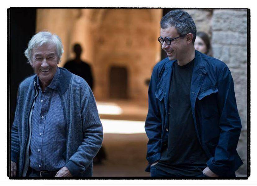 Le producteur Saïd Ben Saïd (à droite) suit avec attention le tournage a priori détendu de Paul Verhoeven en terre varoise.