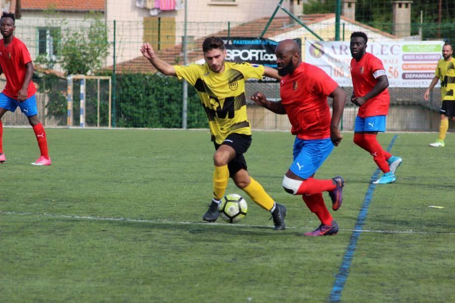 Gomis est l'un des joueurs d'expérience du groupe seynois, qui espère enchaîner une troisième victoire consécutive.