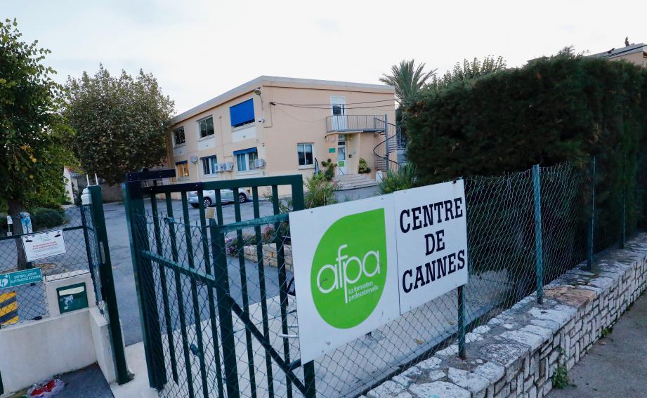 La CGT redoute que le centre cannois ferme.