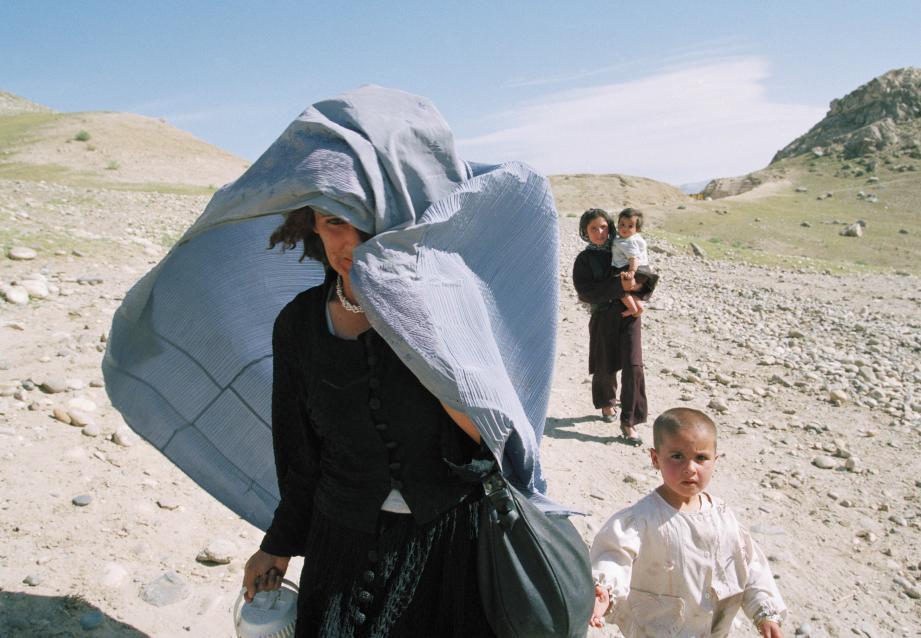 Une de ces photos qui racontent le pays afghan au travers de la vie que pérennisent les femmes. (photo  DR)