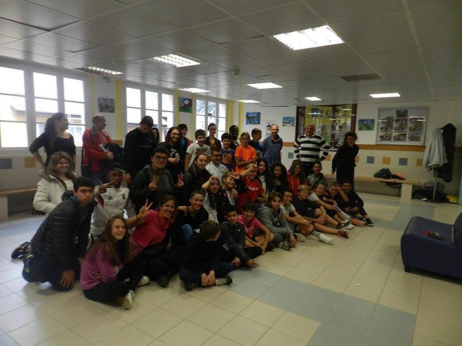 Les élèves et professeurs de l'institut médico-éducatif Henri-Matisse et ceux du collège Jean-Franco ont partagé un instant de convivialité.