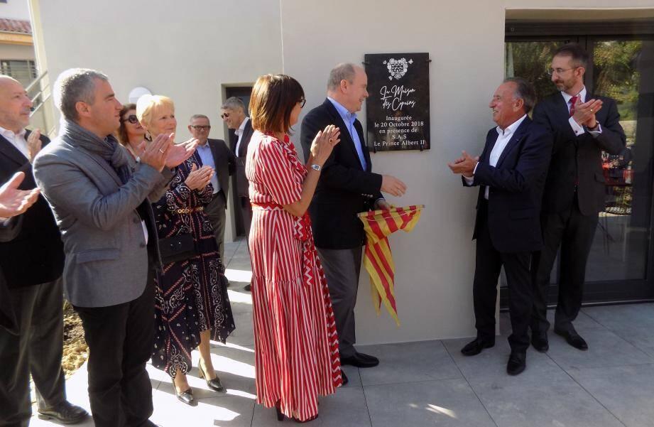Le prince Albert a dévoilé la plaque « La maison des copaing », matérialisant l'extension de la Maison d'Amélie. Les deux nouveaux bâtiments permettent de doubler la capacité du site.