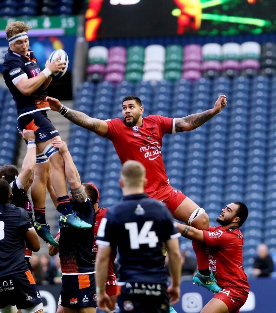 À l'image de cette touche perdue, les Rouge et Noir ont été surclassés hier par une équipe d'Edimbourg juste bien en place...