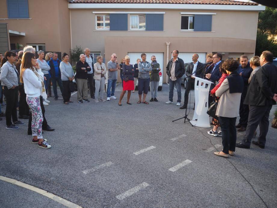 Le maire et ses élus sont à l'écoute une fois par mois directement dans les quartiers six-fournais. Hier matin, ils étaient dans le quartier des Playes, secteur de la Pertuade.