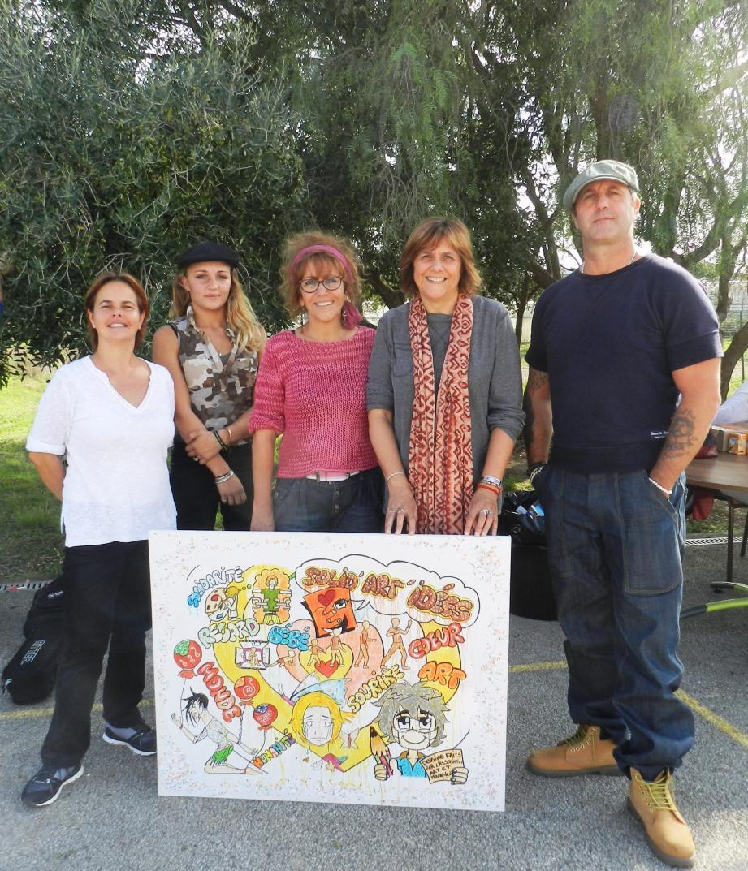 Isabel Carlos (au centre) accompagnée par les autres porteurs du projet.