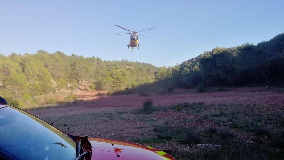 La victime a été évacuée par l'hélicoptère  Spinal 90 à l'hôpital Sainte-Anne à Toulon.