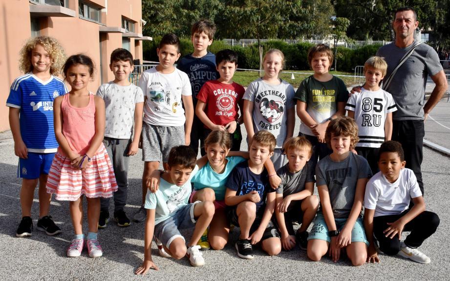 Les élèves qui ont participé au cross avec Luc Franceschini.(Photo C. M