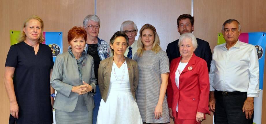 Les administrateurs de l'UDAF ont fait le point avec les parlementaires du Var sur les projets de loi en cours.(photo c. r.)