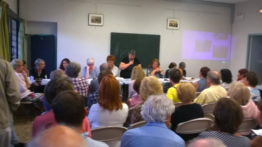 Une centaine de personnes se sont réunies pour l'assemblée générale de l'Amicale laïque. De nouvelles activités (rollers, VTT et expression orale) ont été annoncées.