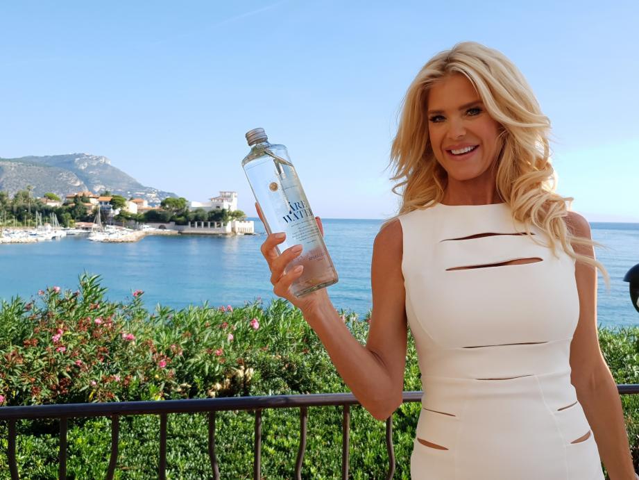 Victoria Silvstedt, retour aux sources avec « Are water ».
