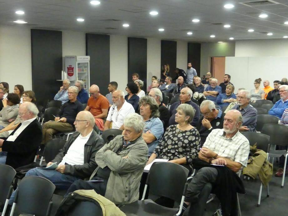 De nombreux membres de l'association beaussétane Arc en Ciel ont assisté au 4e comité environnement du circuit Paul Ricard, jeudi soir.