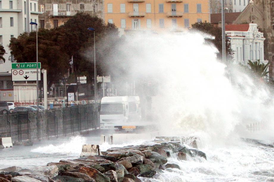 A Bastia comme partout sur l'île, la tempête Adrian a causé d'impressionnants dégâts.