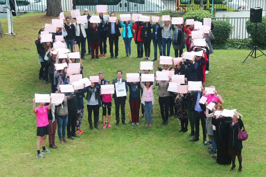 Charles-Ange Ginésy et ses équipes s'associent à la mobilisation en faveur du dépistage du cancer du sein.(DR)