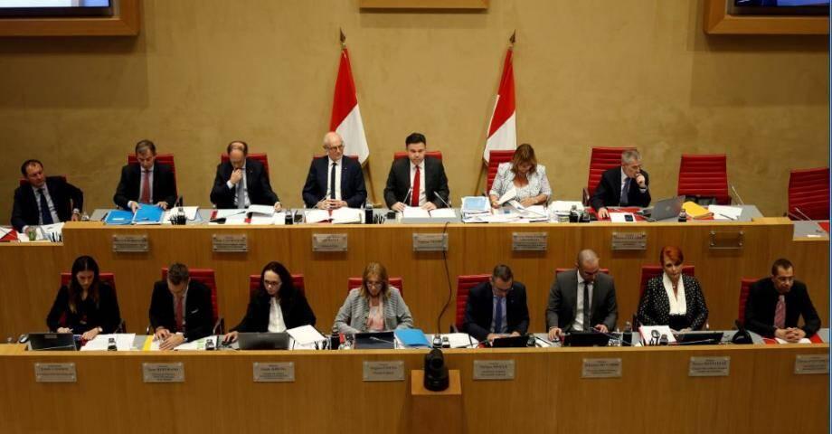 Les débats ont repris ce mercredi soir, au Conseil national pour une deuxième séance publique avant le vote de demain soir.