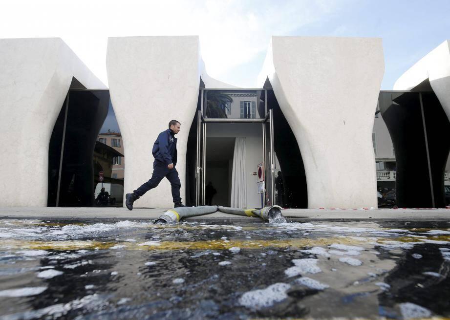 Le Musée Jean Cocteau | collection Séverin Wunderman a subi une inondation au sous-sol et au rez-de-chaussée dans la salle d'exposition.