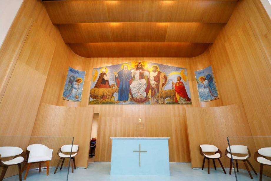 L'église de Théoule-sur-Mer s'appellerait Sainte Germaine en regard du prénom de la donatrice du terrain sur lequel elle est édifiée, Germaine Schlienger.