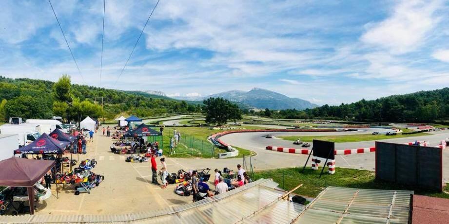 Le circuit de La Sarrée a permis à de nombreux pilotes professionnels de se familiariser avec le karting et le sport automobile.