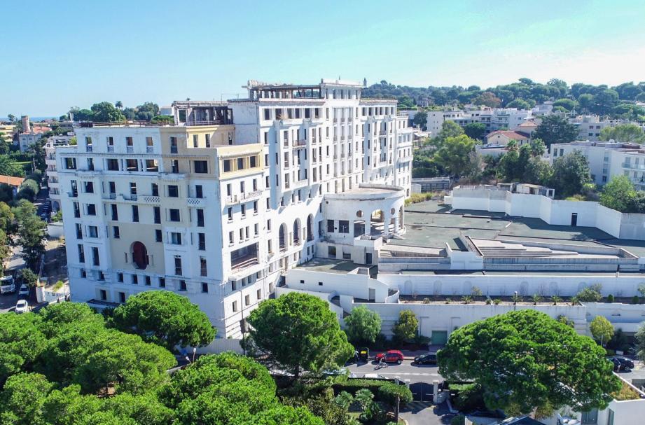 L'hôtel Le Provençal à Juan-les-Pins.