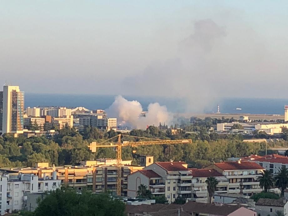 Des détonations suivies de panaches de fumée blanche ont suscité de vives inquiétudes.